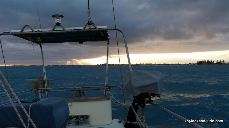 Storm coming as we depart Robe bringing  25 gusting 35 knots